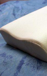 Poduszki anatomiczne, czyli jak wybrać najlepszą poduszkę do spania?