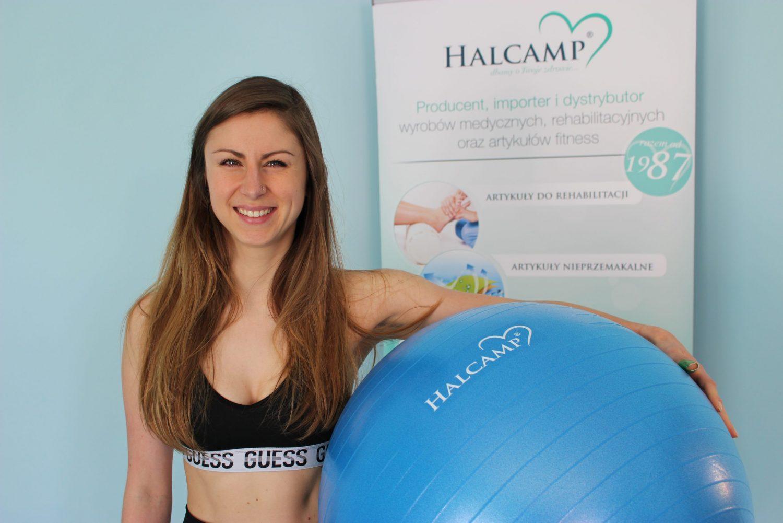 Jak wykorzystać piłkę do ćwiczeń wzmacniających kręgosłupa